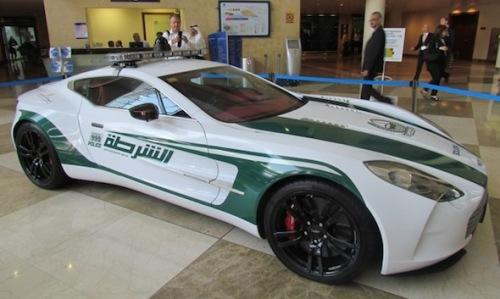 Aston Martin One-77  V12 de 700ch 1 360 000€