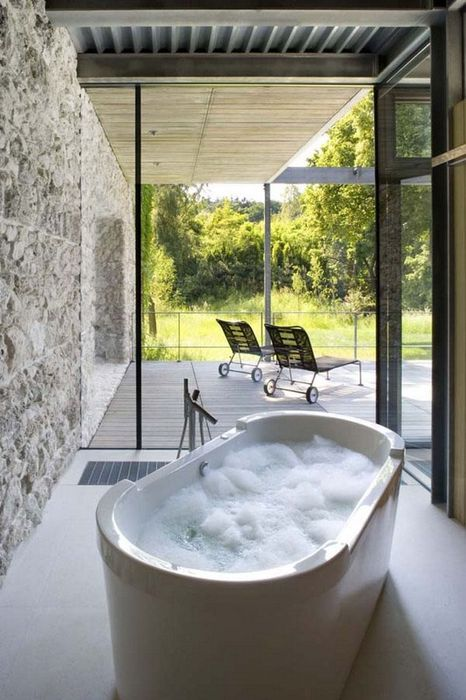 Bathrooms-with-Views-16-1-Kindesign_resultat