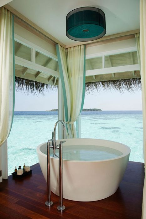 Bathrooms-with-Views-51-1-Kindesign_resultat