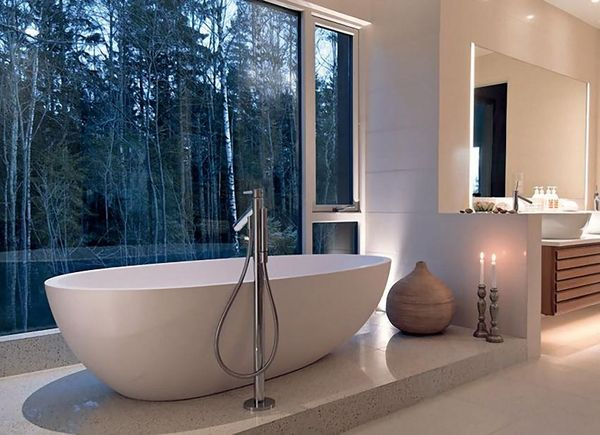modern-bathroom-with-forest-view_resultat