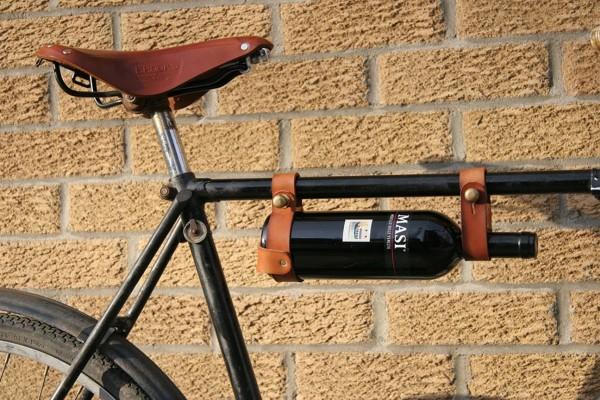 Vous aimez le vin et la bicyclette? Voici l'accessoire fait pour vous !