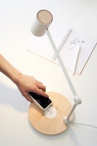 lampe recharge smartphone QI