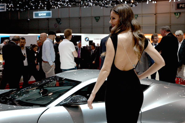 salon auto geneve 2016 hotesses sexy photo