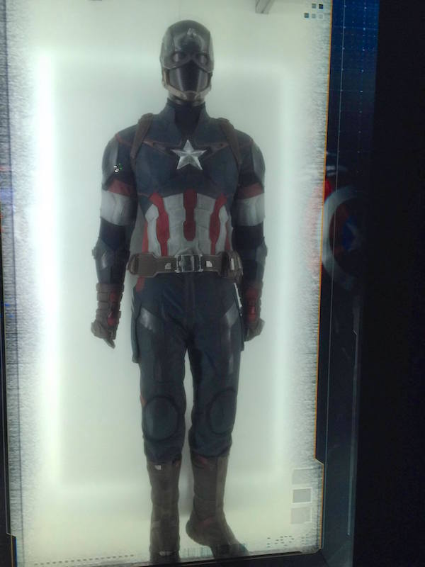 avengers-station-exposition captain