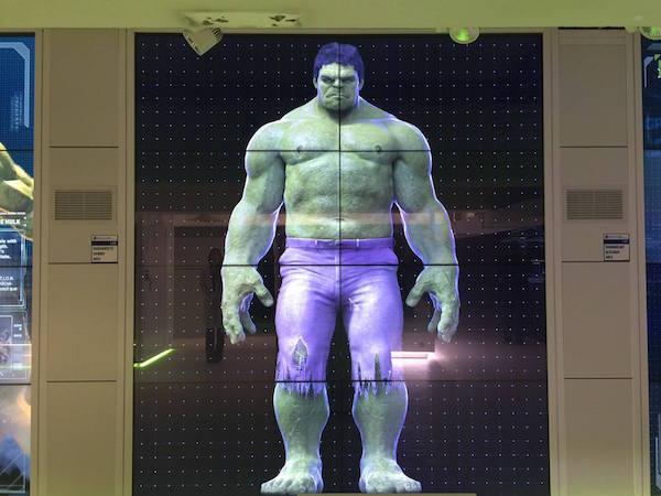 avengers-station-exposition hulk