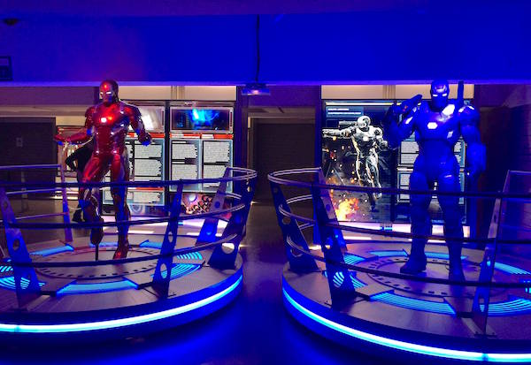 avengers-station-exposition statue