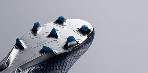 chaussure foot sans lacet crampon semelle