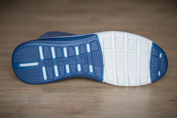 test ecco intrinsic 2 mens chaussure sneaker semelle blanche