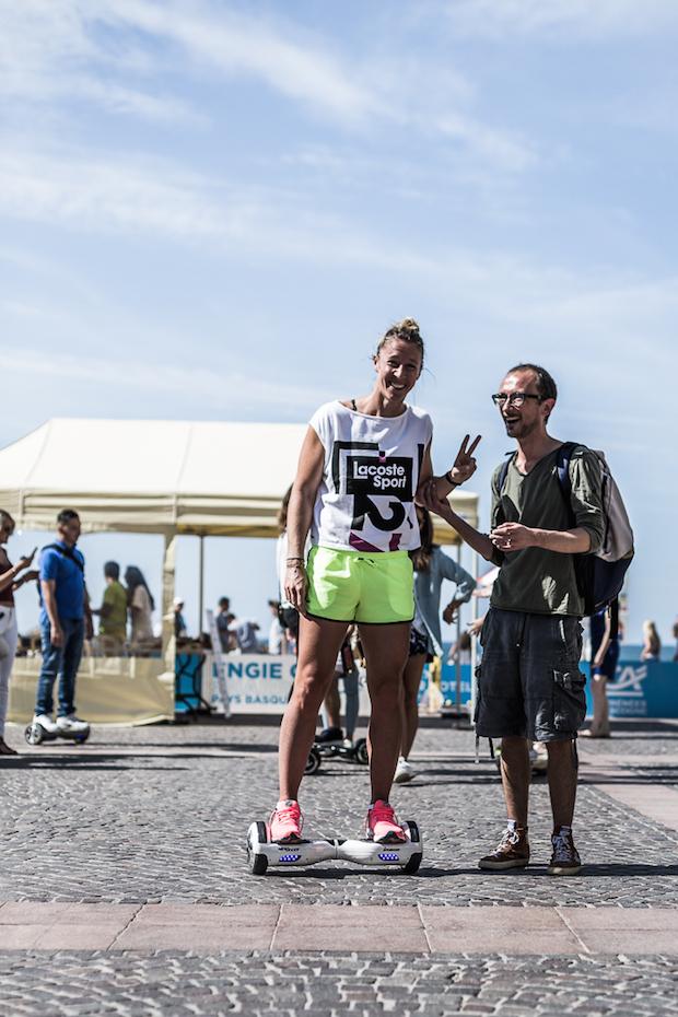 test-hoverboard-newshoot-tenniswoman