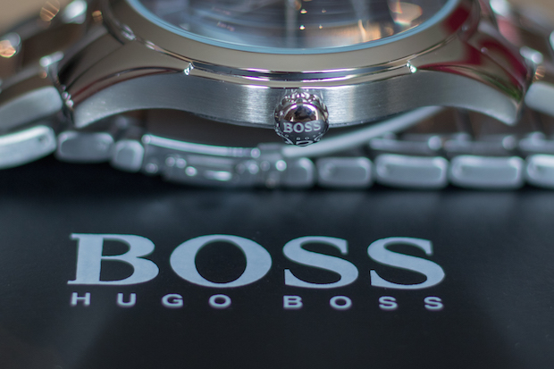 blog-montre-homme-hugo-boss-bouton