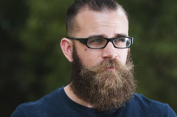 comment-avoir-une-belle-grosse-barbe-hipster-pousse-et-entretien