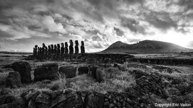 photo-art-ahu-tongariki-face-au-rano-raraku