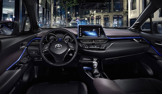toyota-c-hr-crossover-interieur