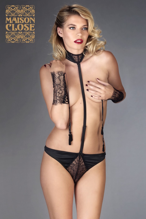 saint valentin maison close harnais string