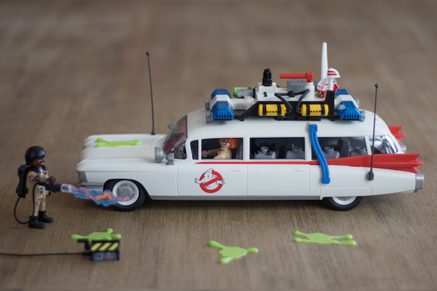 playmobil ghostbuster sos fantomes ecto 1 cote