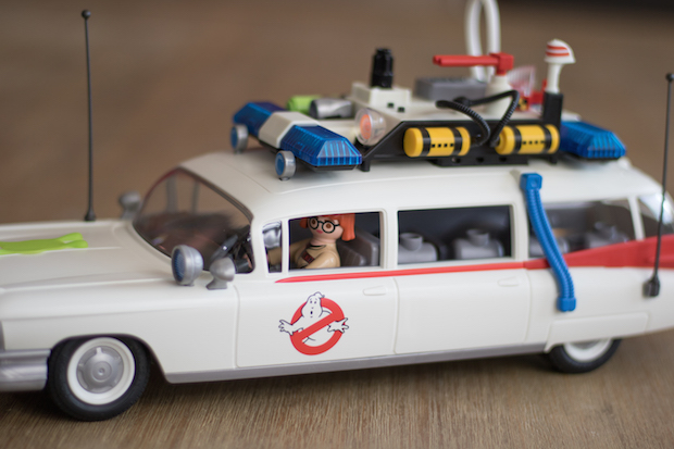 playmobil ghostbuster sos fantomes ecto 1 pilote