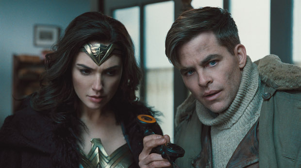 critique wonder woman film chris pine gal gadot