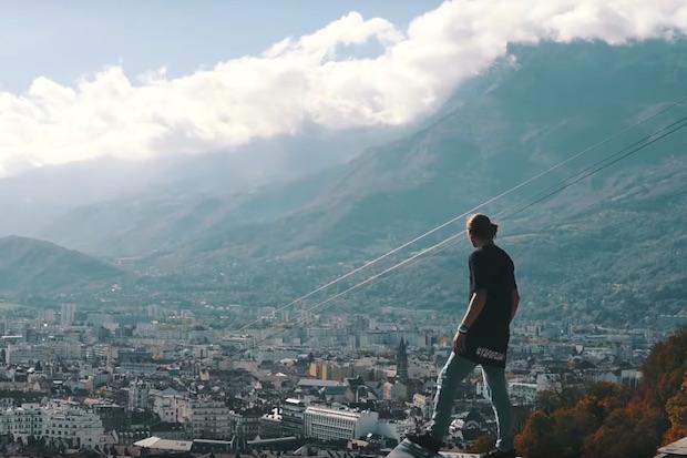 Le tour de France sur les toits en 1 minute