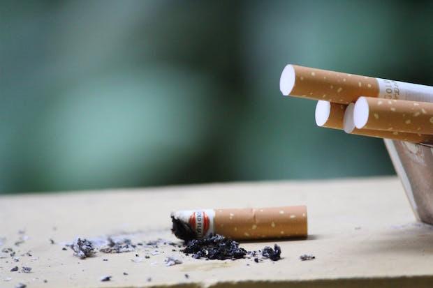 La e-cigarette moins nocive que la cigarette