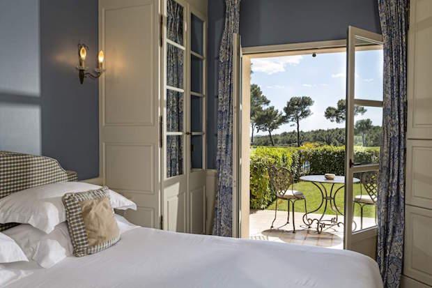avis hotel du castellet terrasse 2