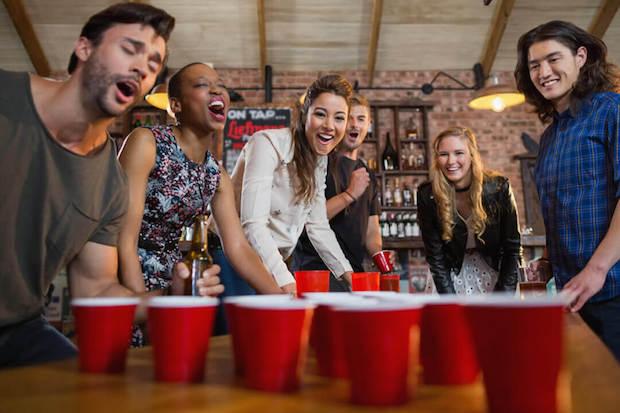 Quel est le meilleur kit de bière pong ? (+ les règles du jeu)