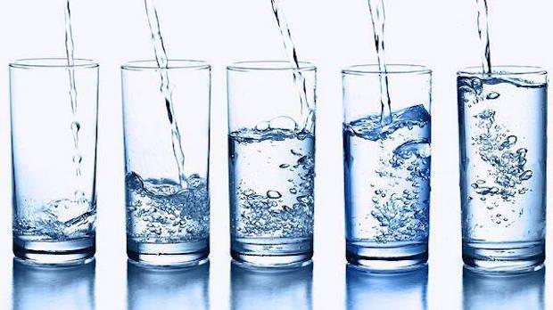 Astuces gueule de bois boire de l'eau