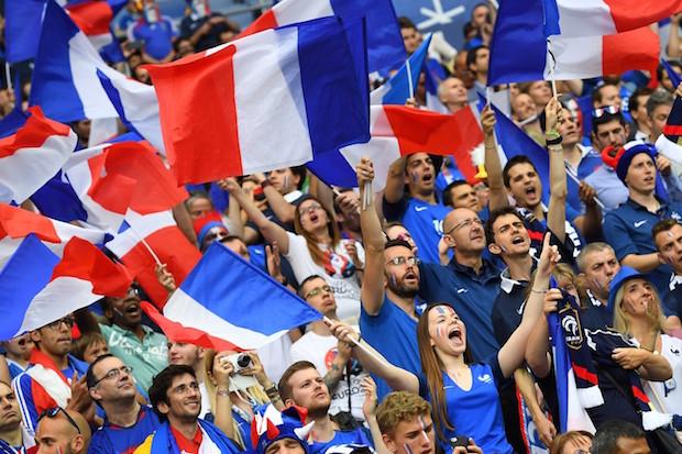 Le kit du supporter de l'équipe de France pour la coupe du monde 2018