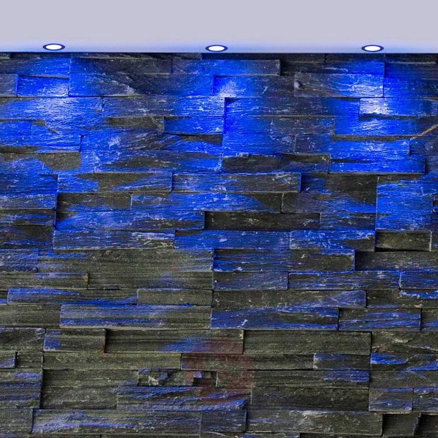 spots encastres led bleus mise en valeur