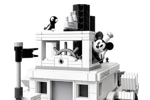 bateau mickey lego noir et blanc collector