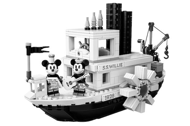 bateau mickey lego noir et blanc