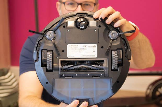deebot n79s test avis robot aspirateur dessous