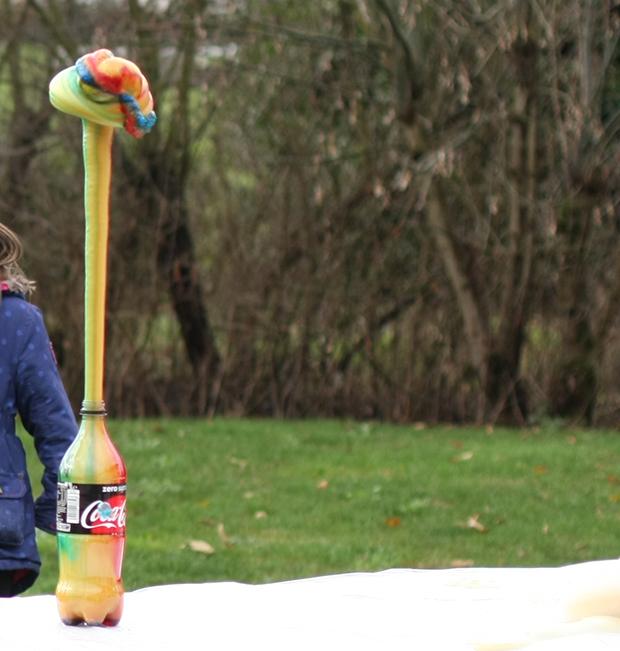 experiences-scientifiques-enfants-dentifrice-pour-elephant