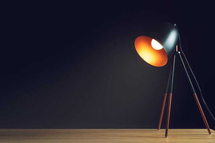 lampe-bureau-table-eclairage-fonctionnel