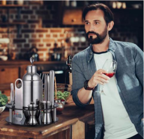 11-objets-indispensables-homme-kit-de-barman