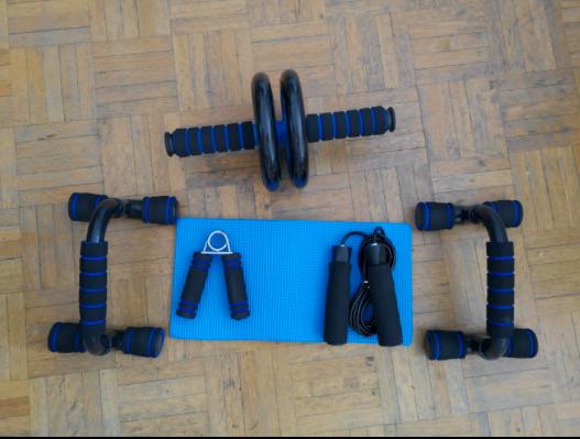 musculation-a-la-maison-ab-wheel