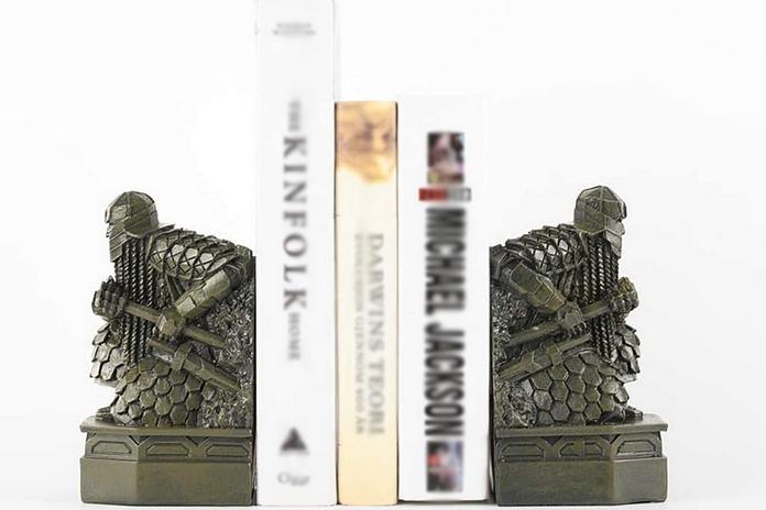 accessoire goodies idee cadeau lotr seigneur des anneaux hobbit bureau poid bloque livre statuette figurine