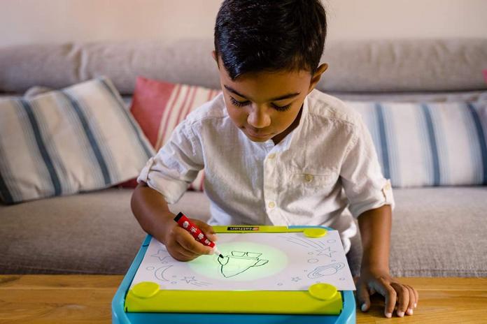 activite maison enfant dessin calque creatif quatre a sept ans