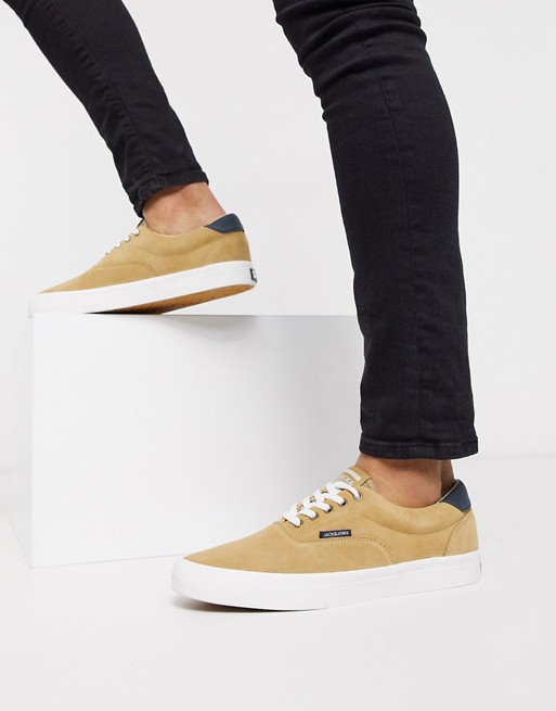 basket homme chaussure plate daim jack and jones asos ete tenue look 2020 camel moutarde marron