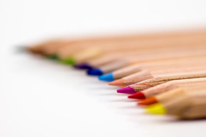 crayon couleur debuter dessin apprendre materiel essentiel