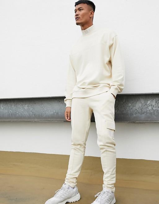 ensemble asos homme pull jogging streetwear blanc beige creme tenue look 2020