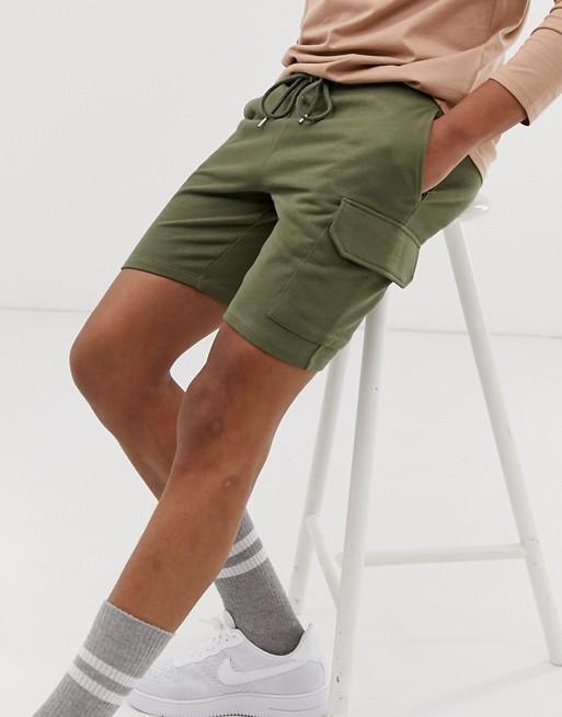 short cargo homme vert kaki tenue look ete 2020 asos jersey confortable