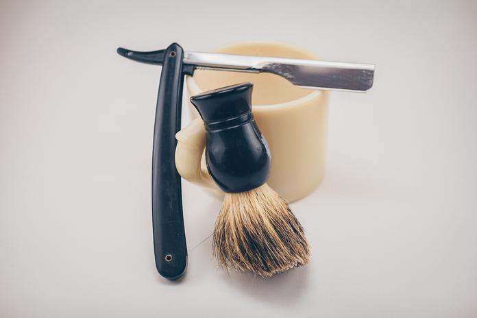 zero dechet salle de bain rasoir rasage ecoresponsable brosse lame ancienne