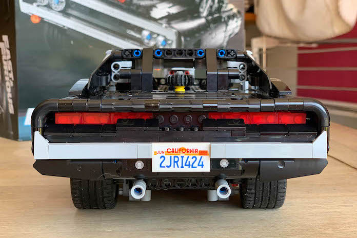 test avis lego fast and furious dodge charger dom plaque