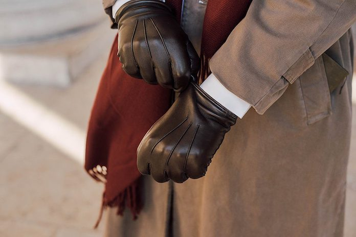 accessoires-indispensables-homme-gants