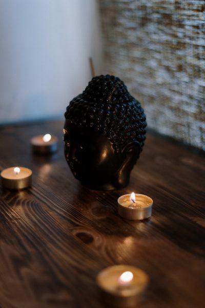 ambiance salle de bain confort baignoire bougie odeur bombe couleur relax zen spa