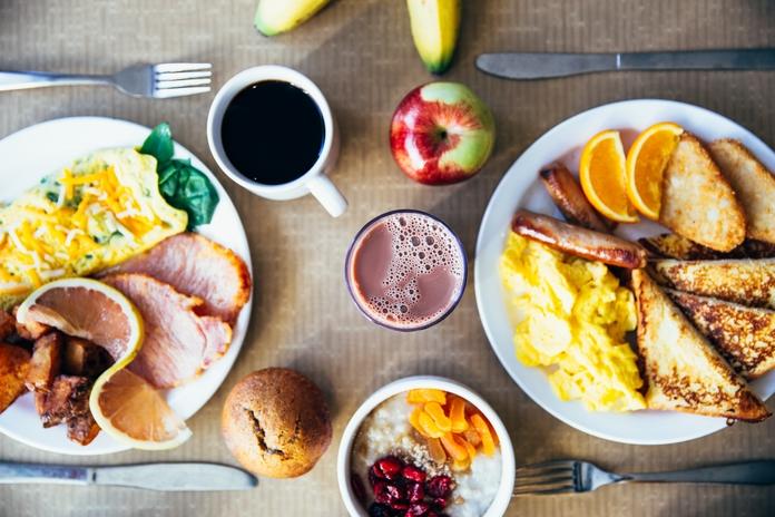 conseil reveil bonne humeur bonheur joie matin facile blog homme analyse qualite sommeil dormir morning routine petit dejeuner