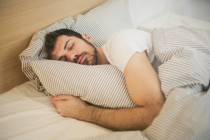 conseil reveil bonne humeur bonheur joie matin facile blog homme sommeil reveil