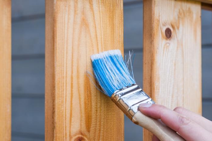 outil bricolage bricoler indispensable materiel peinture travaux debutant pas cher perceuse visseuse malette outils peinture lot pinceaux