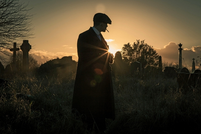 tenue look homme costume vetement chaussure accessoires inspire inspiration film serie cinema peaky blinders drive john wick the politician
