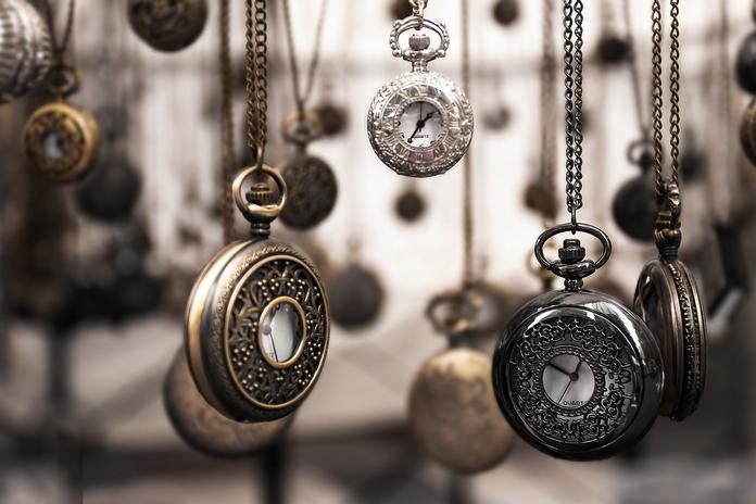 bijou bijoux homme unisexe pas cher moins dix euros fantaisie lot blog lifestyle mode montre gousset